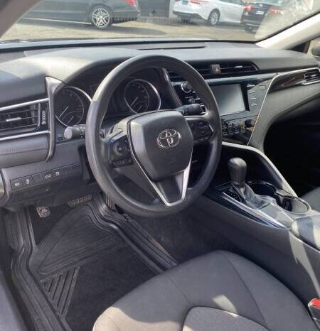 2018 Toyota Camry LE full